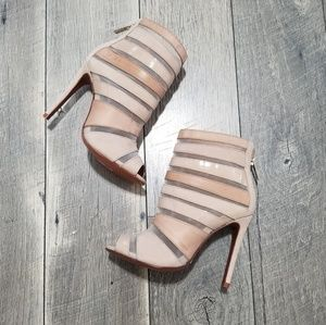 Schutz heels size 6 great condition